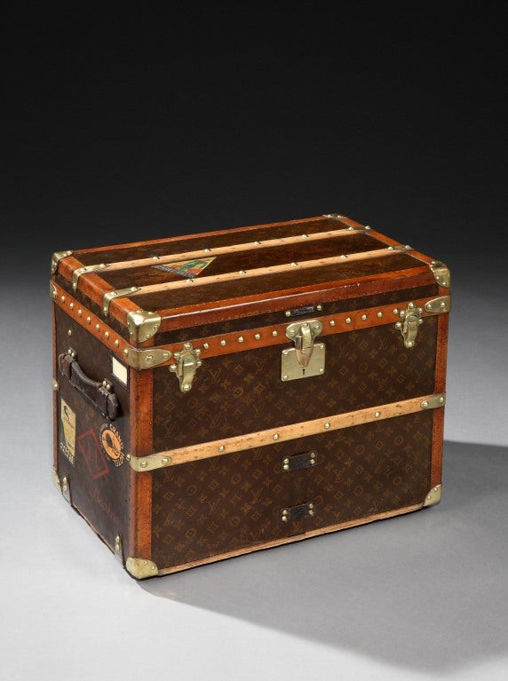 39 malle chaussures 39 shoe trunk by louis vuitton c 1920s at 1stdibs. Black Bedroom Furniture Sets. Home Design Ideas
