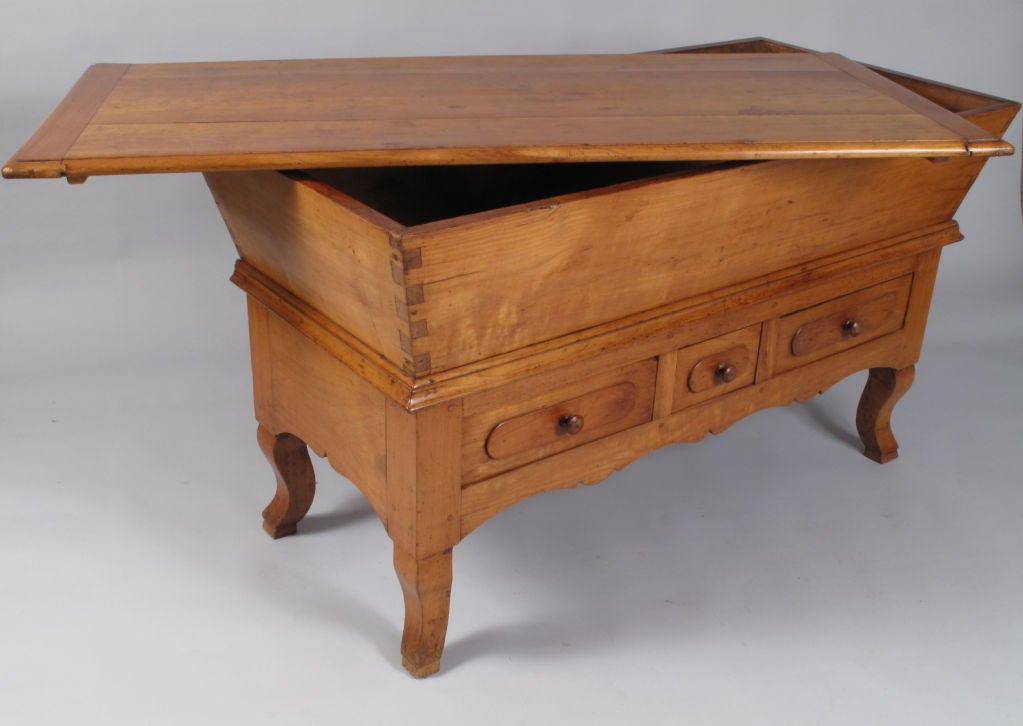 French period louis philippe petrin dough table at 1stdibs for Table ronde louis philippe