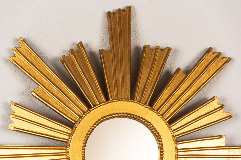 French Vintage Giltwood Sunburst Mirror, 1950s In Good Condition For Sale In Austin, TX