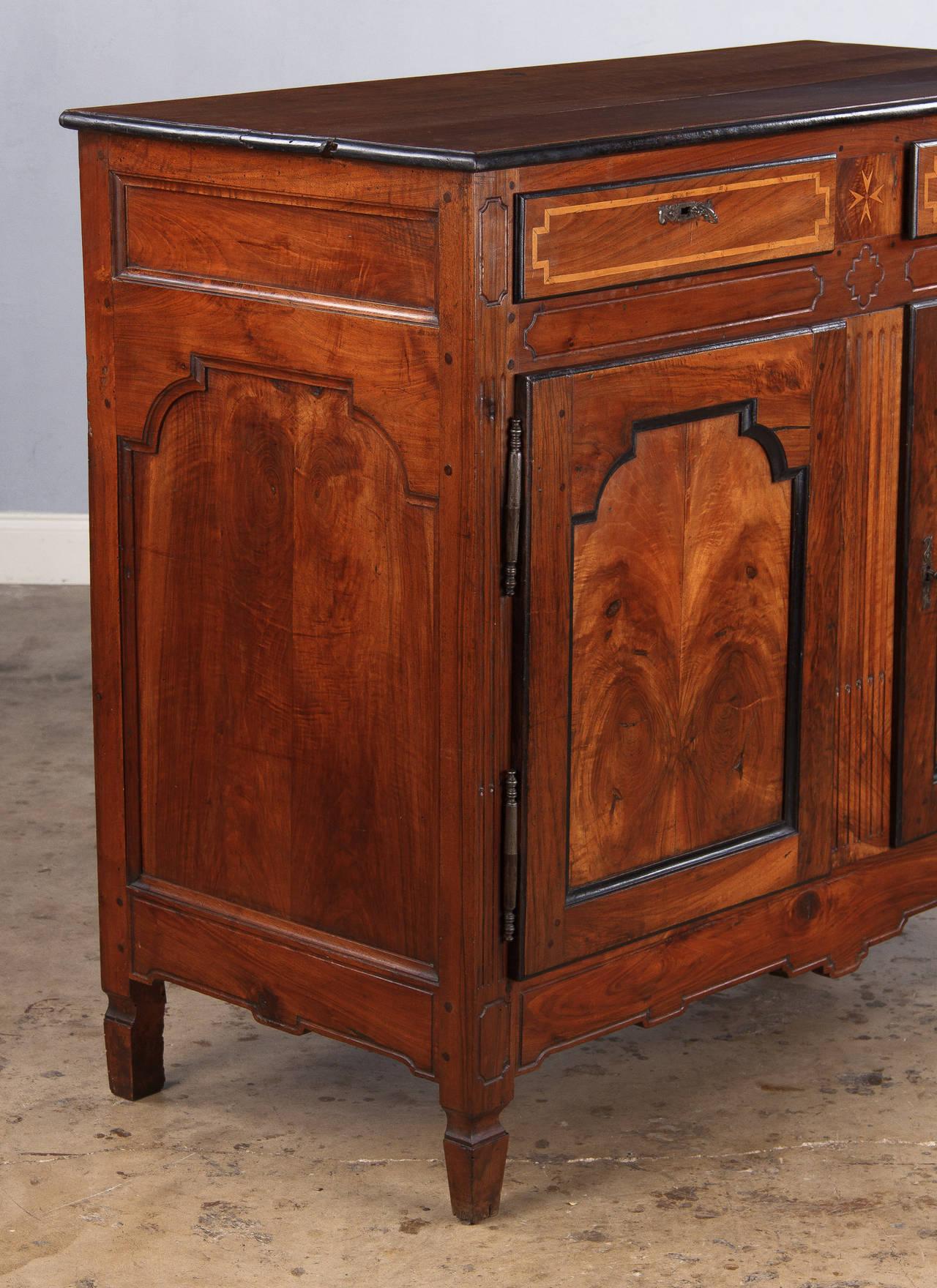 napoleon iii walnut buffet from france 1870s image 3. Black Bedroom Furniture Sets. Home Design Ideas
