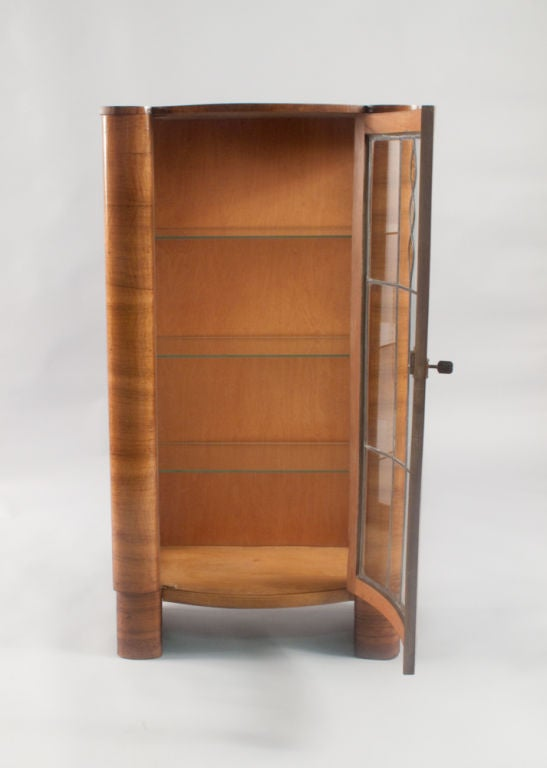 english art deco vitrine at 1stdibs. Black Bedroom Furniture Sets. Home Design Ideas
