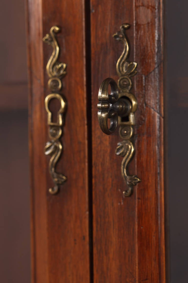 French Napoleon III Walnut Cabinet Bookcase, Late 1800s For Sale 1