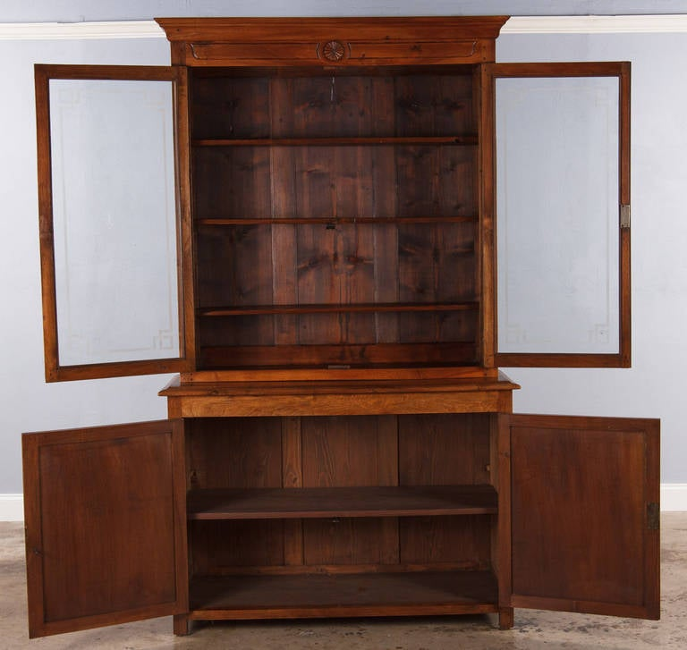 French Napoleon III Walnut Cabinet Bookcase, Late 1800s For Sale 3