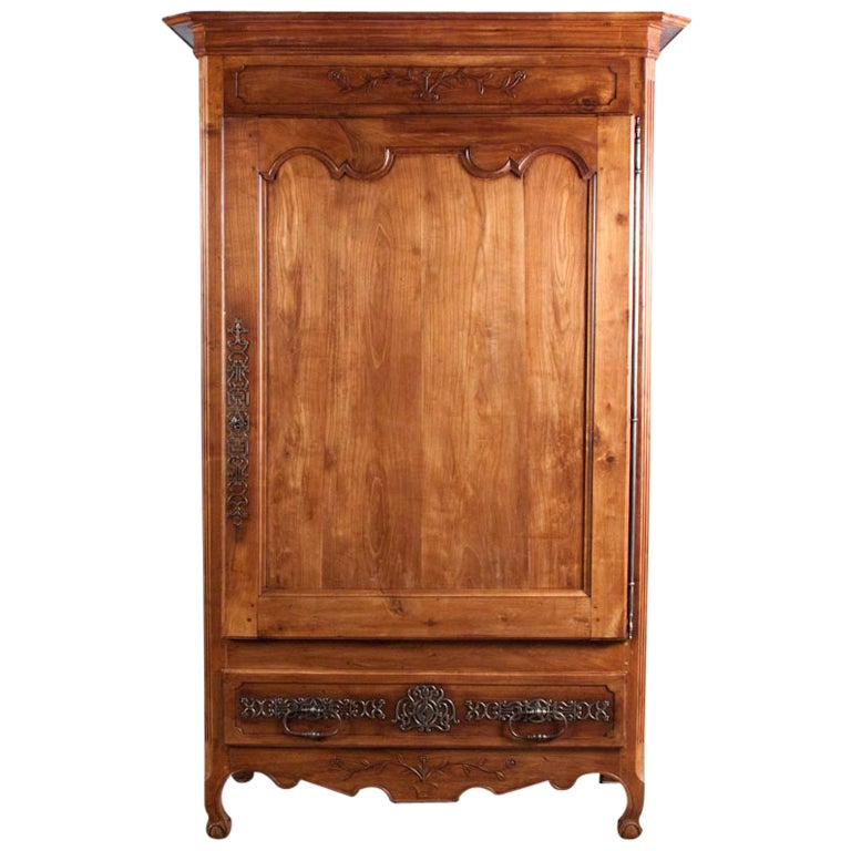 18th century french louis xv cherrywood bonnetiere armoire for sale at 1stdibs. Black Bedroom Furniture Sets. Home Design Ideas