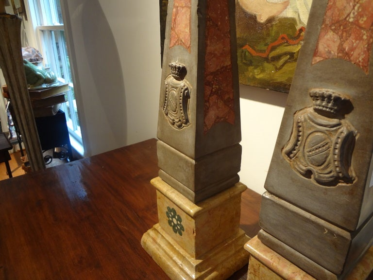 Pair of 19th Century Italian Neoclassical Style Marble Obelisks For Sale 4
