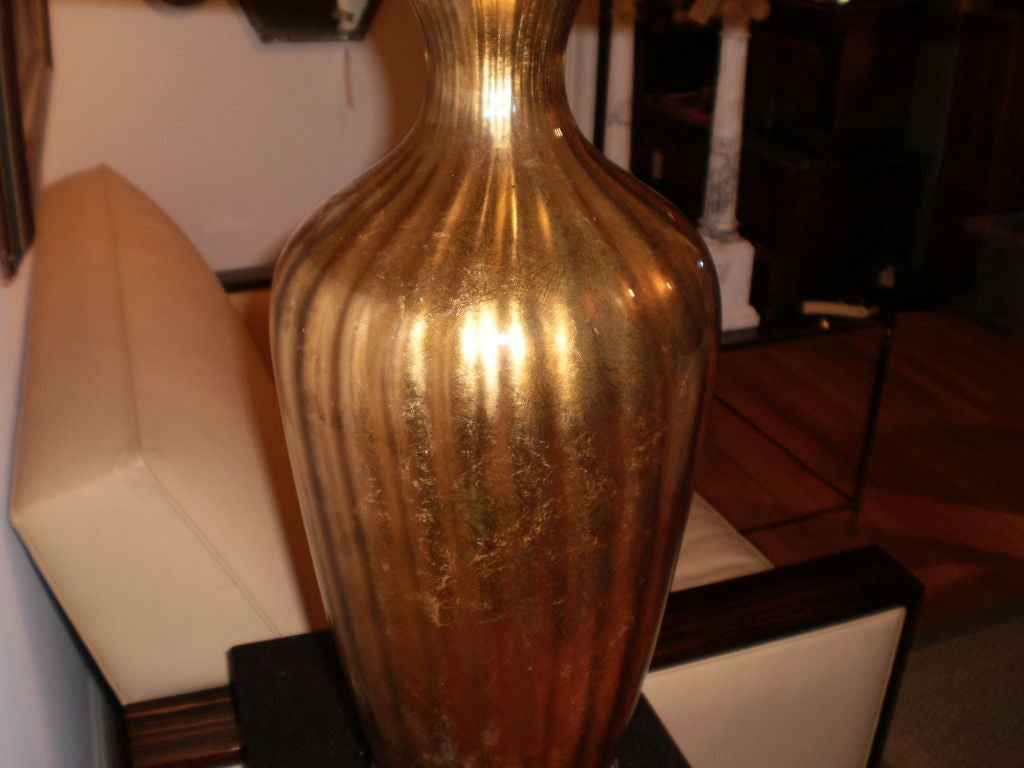 Large Hollywood Regency Italian Mid-Century Gold Glass Lamp On Iron Base For Sale 3