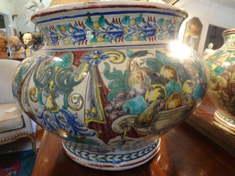Magnificent 19th Century Italian Majolica Jardinière In Good Condition For Sale In Houston, TX