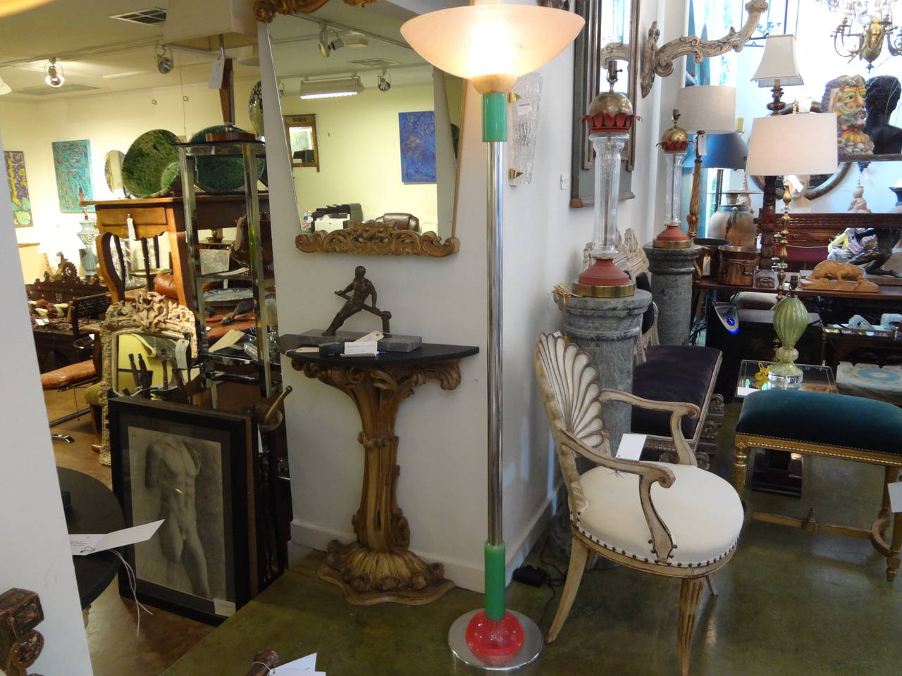 Italian Postmodern or Mid-Century Modern Torchère Floor Lamp, Made in Milan For Sale 1