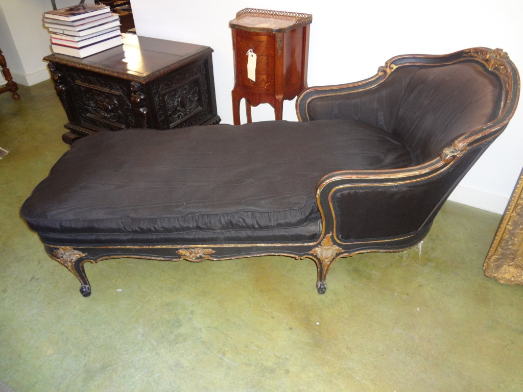 Antique french louis xv style painted and gilt wood chaise for Antique chaise longue for sale