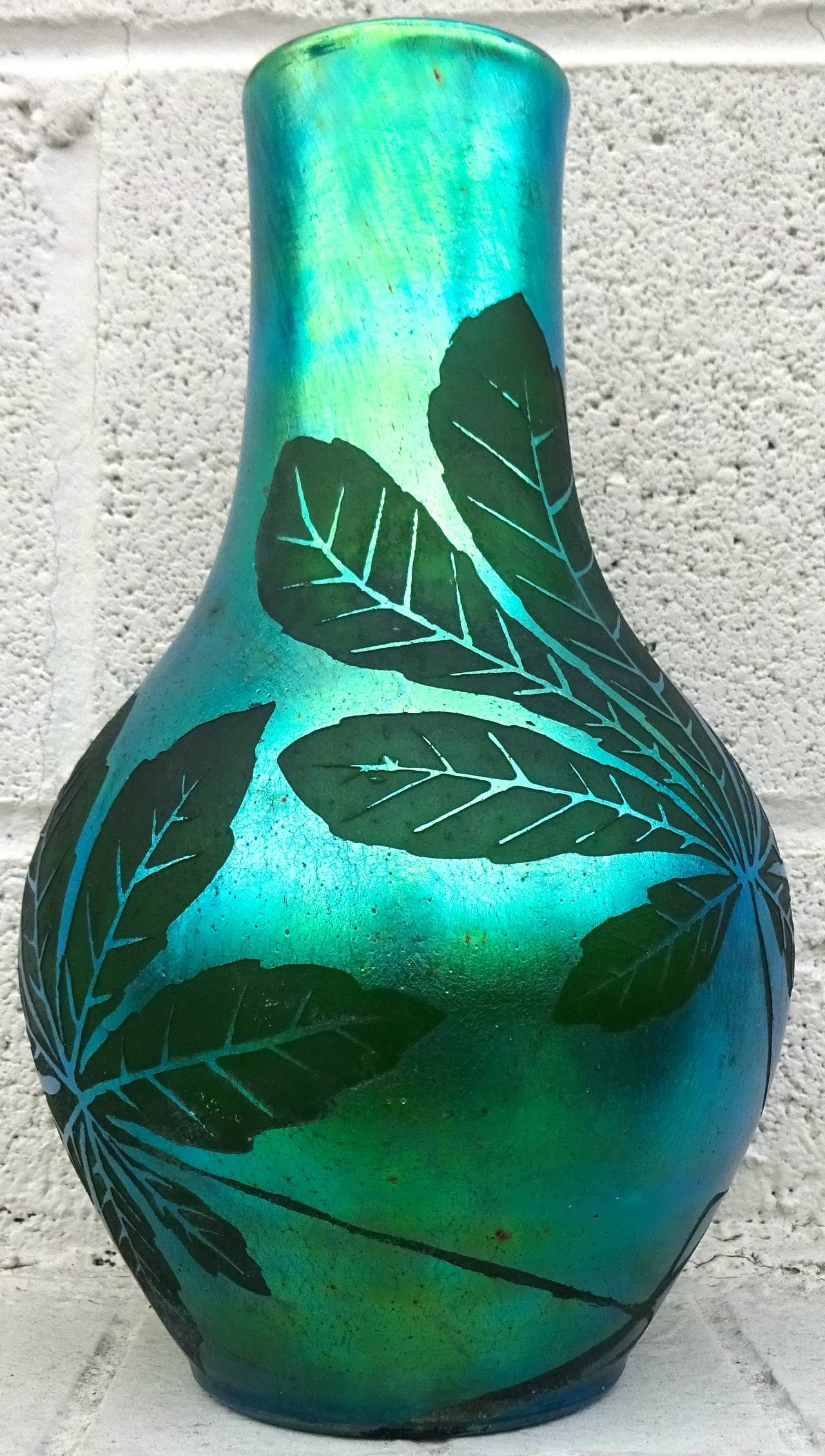 French Deco Iridescent Acid-Etched Art Glass Vase, 1920s In Excellent Condition For Sale In Washington, DC