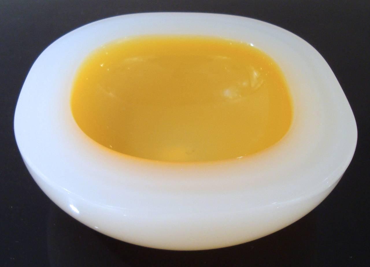 Italian Vibrant 1950s Cenedese Murano Art Glass Bowl For Sale