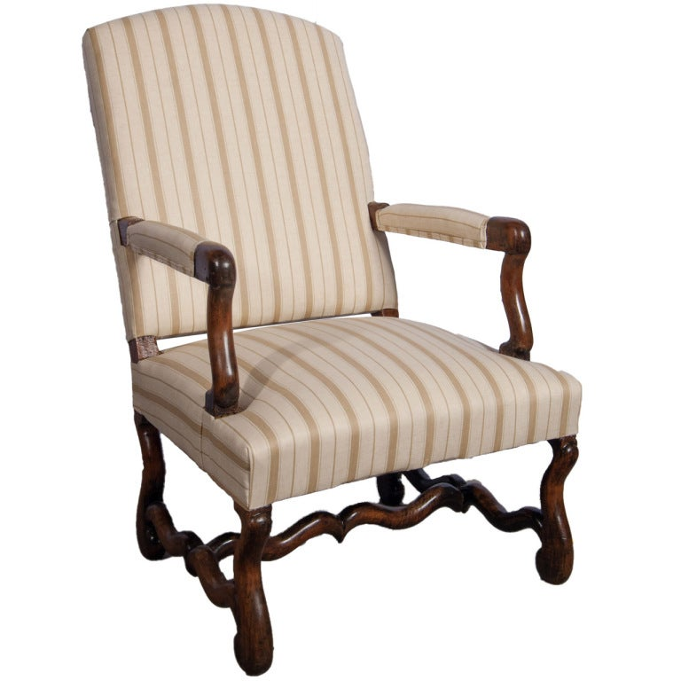 single louis xiii fauteuil at 1stdibs. Black Bedroom Furniture Sets. Home Design Ideas