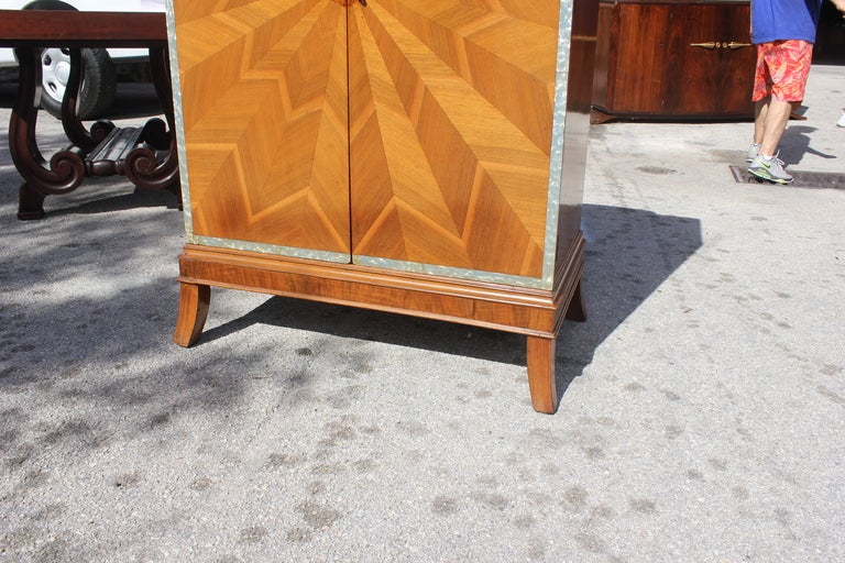 Spectacular French Art Deco Palisander Sunburst Armoirette M-O-P Border 9