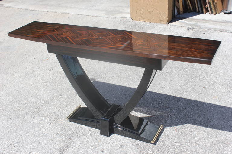 Ordinaire French Art Deco Exotic Macassar Ebony Console Table, Circa 1940s In  Excellent Condition For Sale