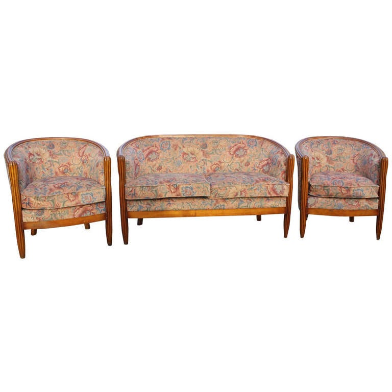 french art deco canape and pair of club chairs circa 1940. Black Bedroom Furniture Sets. Home Design Ideas