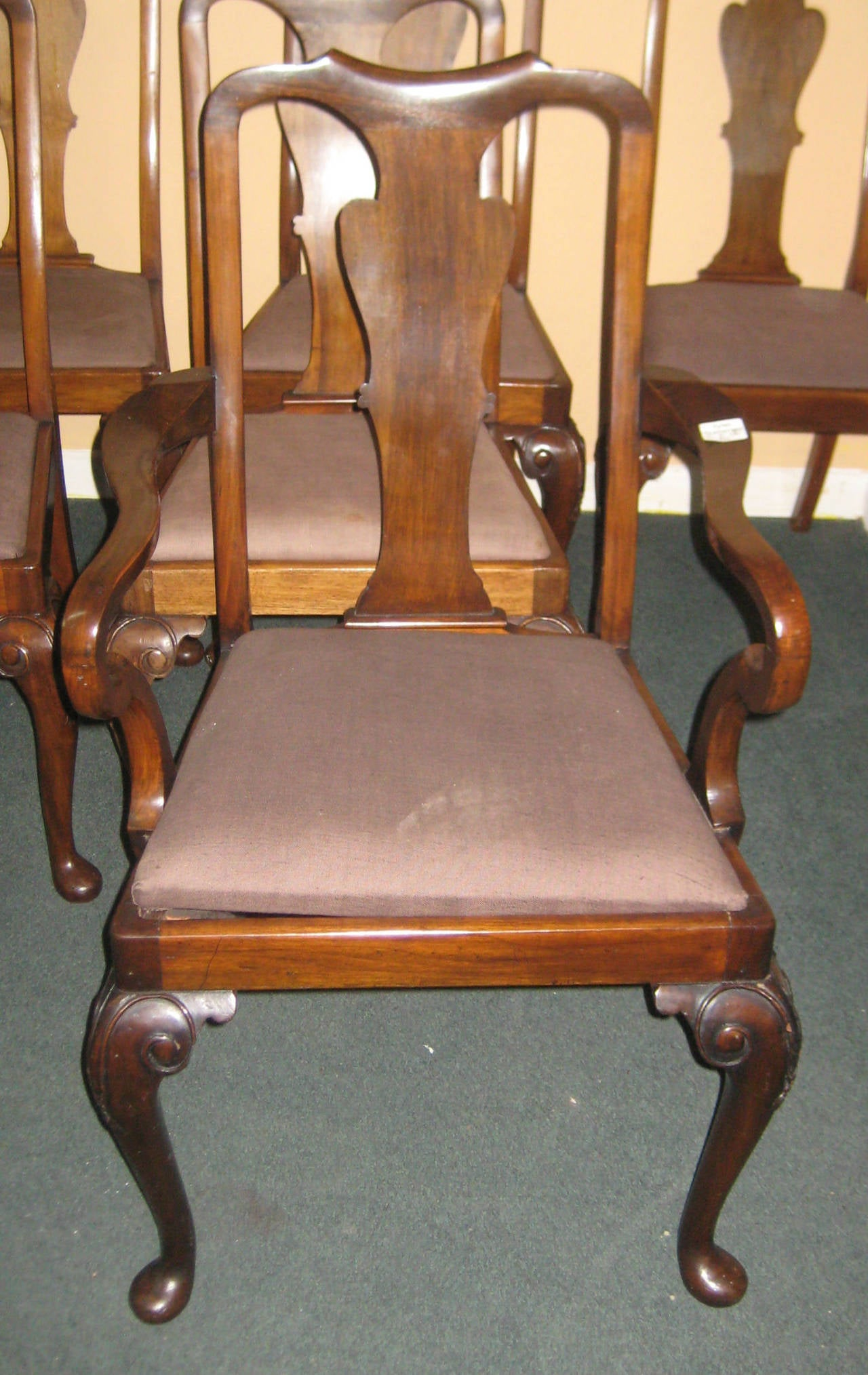 Set of Eight Queen Anne Mahogany Dining Chairs at 1stdibs : IMG9038l from www.1stdibs.com size 1280 x 2028 jpeg 285kB