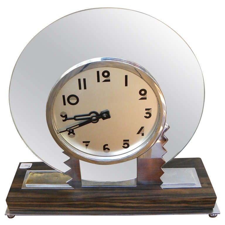 Modernist Art Deco Wind Up Clock