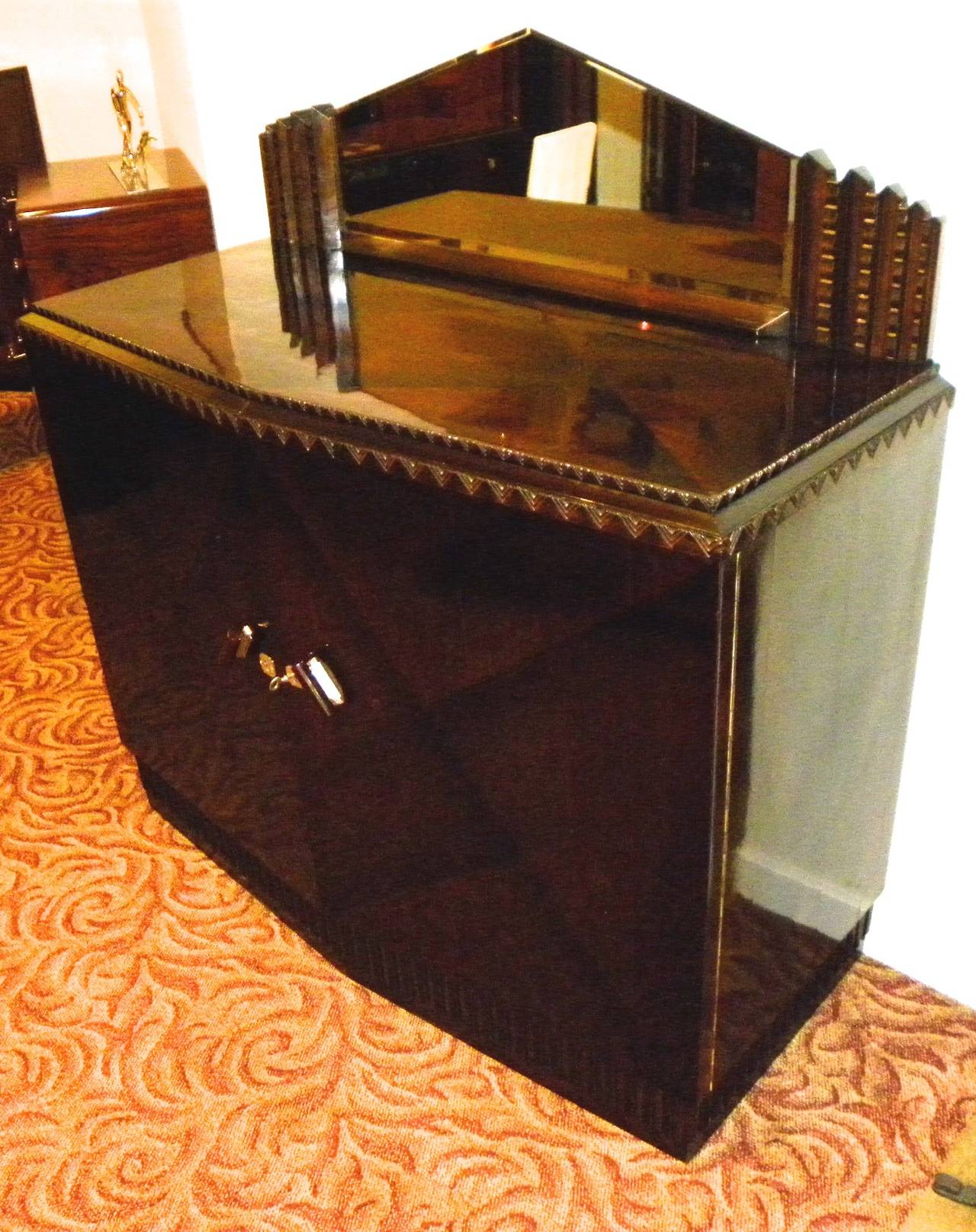 French European Art Deco Lacquered Buffet with Zig Zags For Sale