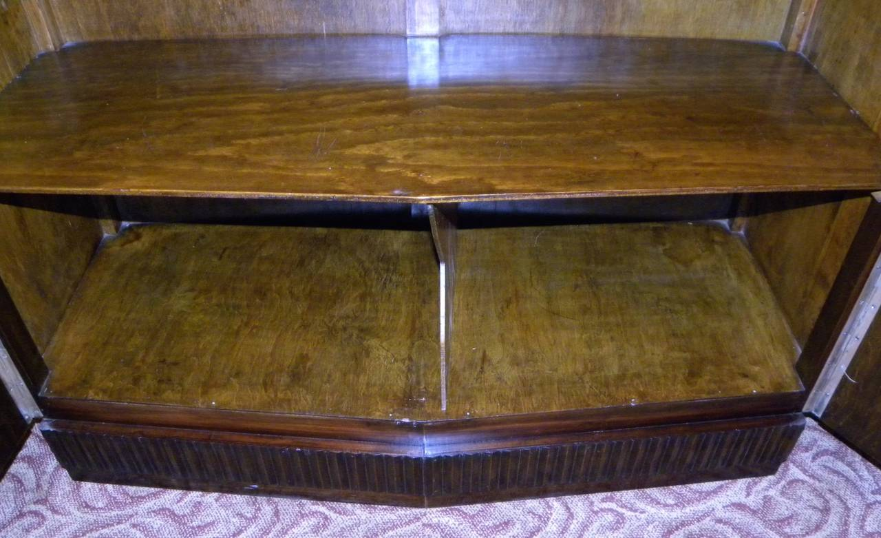 European Art Deco Lacquered Buffet with Zig Zags For Sale 3