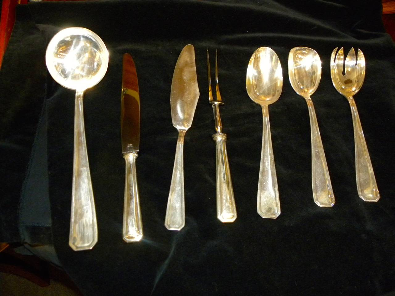 Silver Plate Classic Art Deco Complete Set of Silverware Cutlery in Fitted Box For Sale