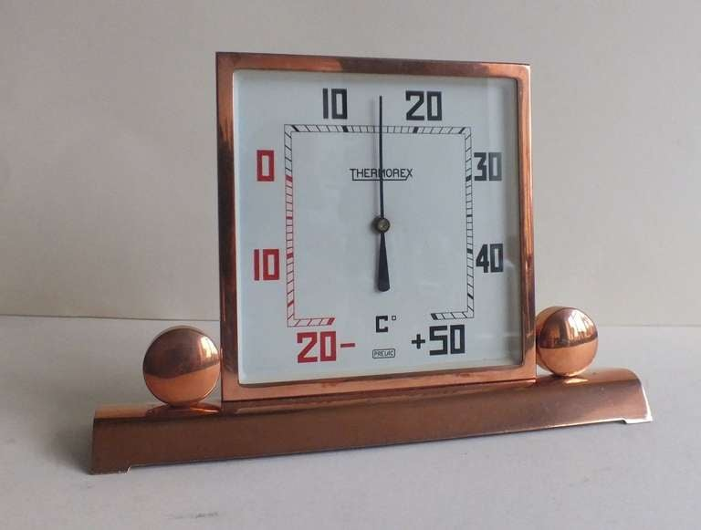 Very cool Art Deco Thermometer, ready to use, ever for the hottest days. This wonderful French piece in original copper finish is in great shape. The white dial with very stylized deco numbers reading centigrade for