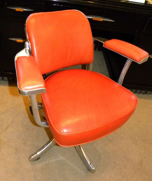 English VINTAGE TANSAD STREAMLINE INDUSTRIAL SWIVEL DESK CHAIR For Sale