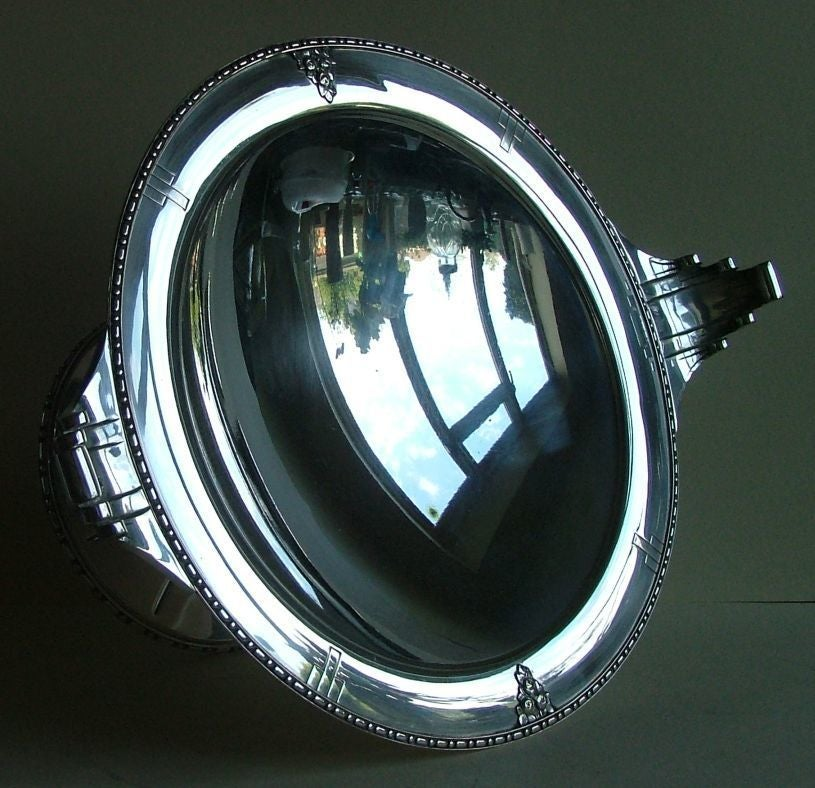Exceptional Silver Plated Bronze Tazza or Coupe, French Art Deco In Excellent Condition For Sale In Oakland, CA