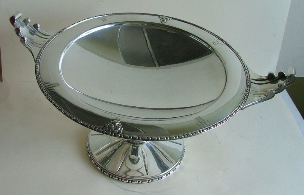 Mid-20th Century Exceptional Silver Plated Bronze Tazza or Coupe, French Art Deco For Sale
