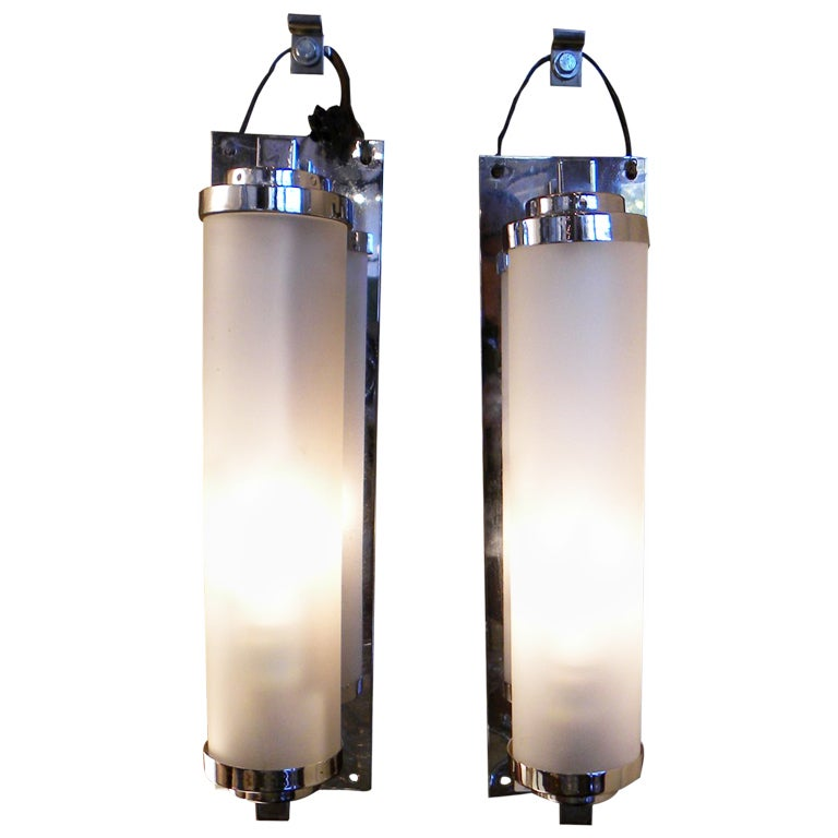 Nice vanity art deco lighting sconces streamline moderne - Art deco bathroom lighting fixtures ...