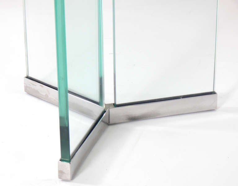 how to get glass table clean