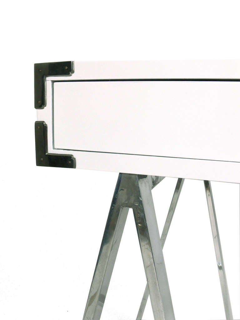 on white x desk fixed accent planning home design a this shape glorious writing for base features campaign