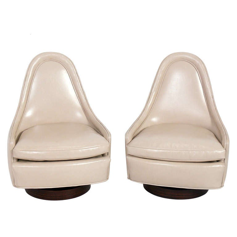 Pair of Sculptural Leather Swivel Chairs by Milo Baughman 1