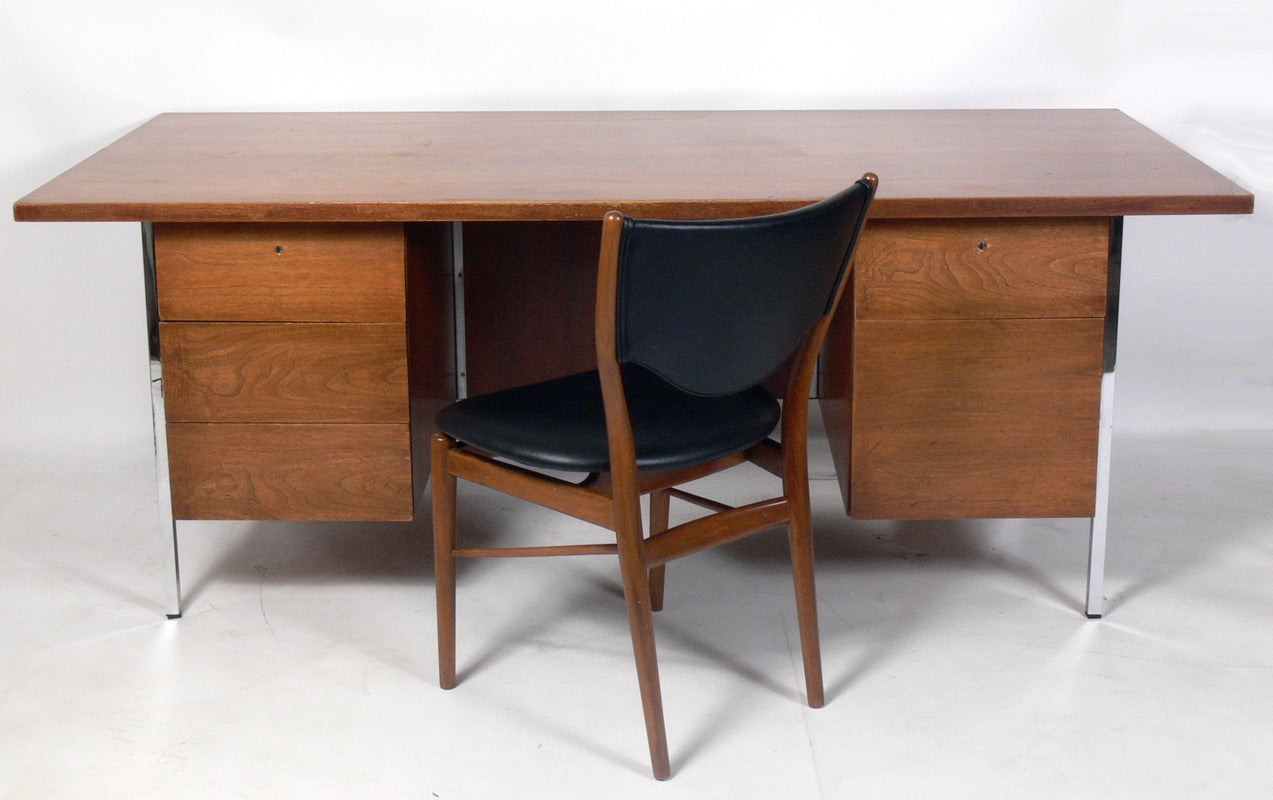 modern executive desk by florence knoll at stdibs - modern executive desk by florence knoll