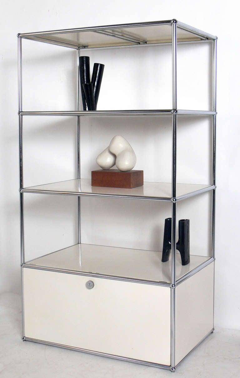 Vintage usm haller white bookshelf or vitrine at 1stdibs - Usm vitrine ...