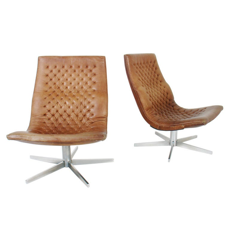 Pair Of Danish Leather Lounge Chairs At 1stdibs