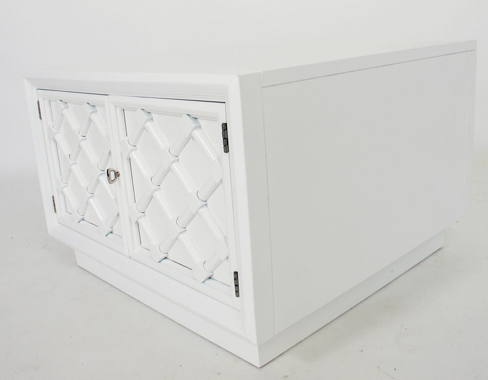 Pair of White Lacquered Lattice Front Night Stands or End Tables 2