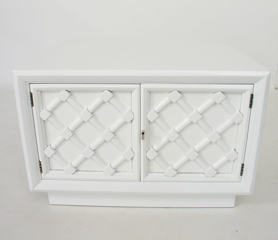 Pair of White Lacquered Lattice Front Night Stands or End Tables 3