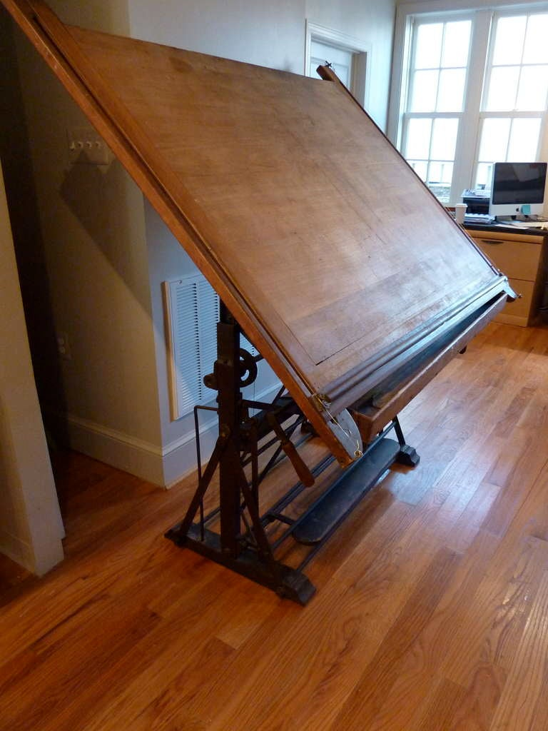 Beau 19th Century French Drafting Table. In Good Condition For Sale In  Middleburg, VA