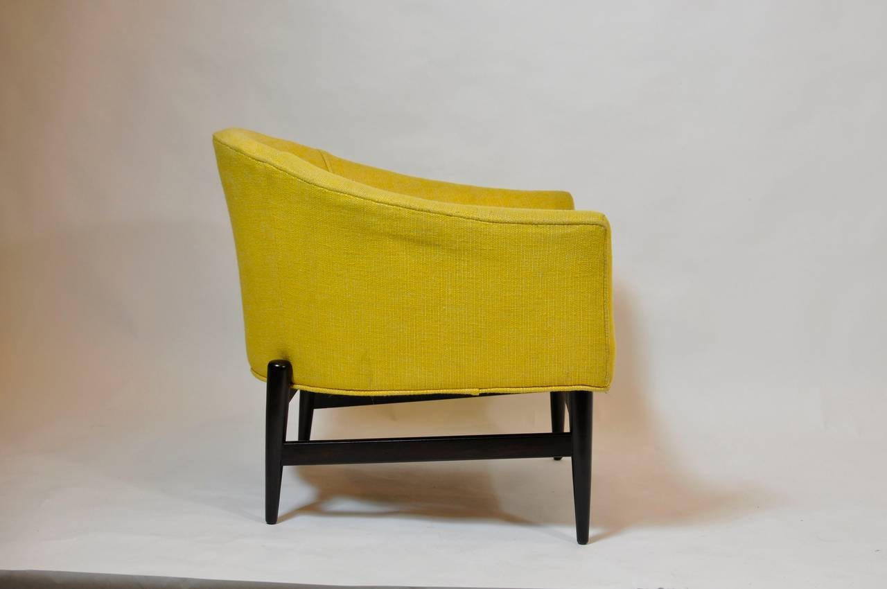 Mid-Century Modern Petite Lounge Chair Designed by Lawrence Peabody For Sale