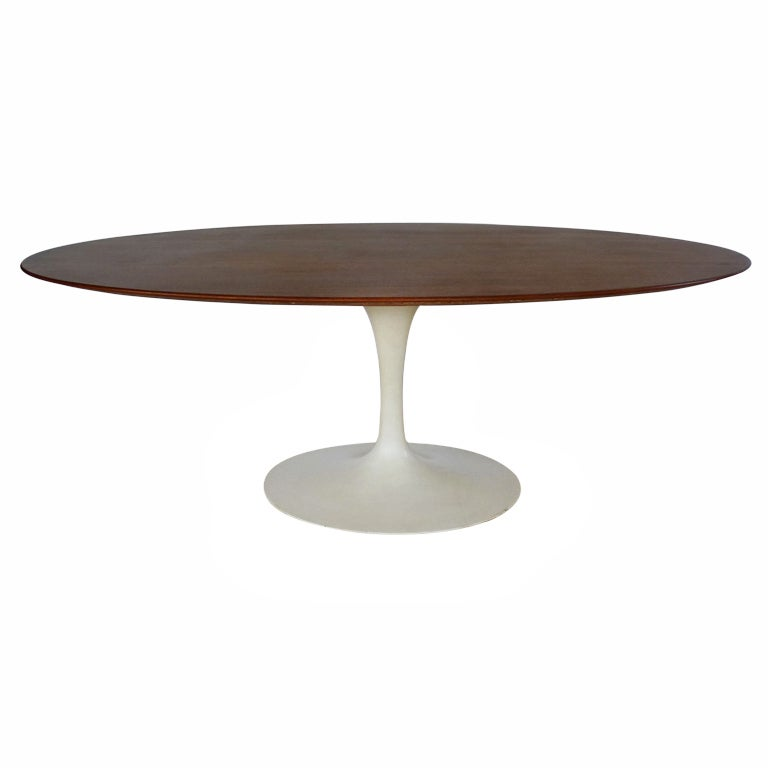 eero saarinen for knoll oval dining table at 1stdibs. Black Bedroom Furniture Sets. Home Design Ideas