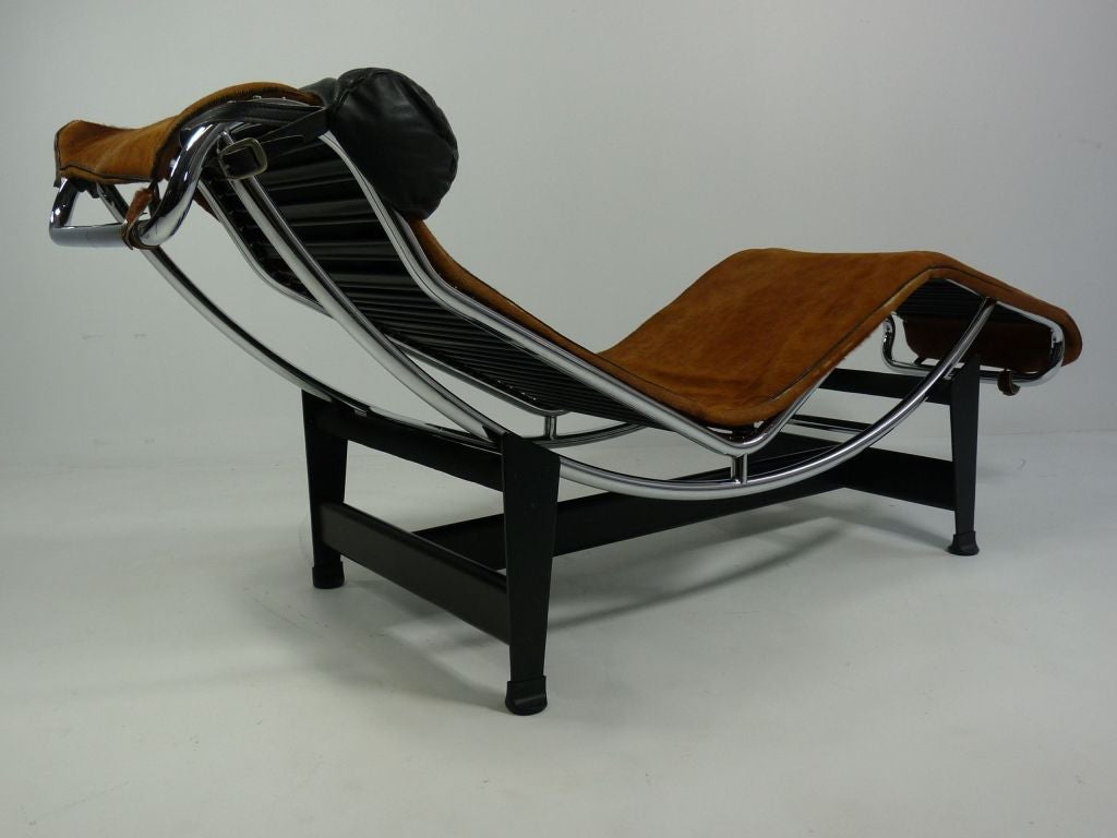 Lc4 chaise longue by le corbusier mfg by cassina at 1stdibs for Chaise lounge corbusier