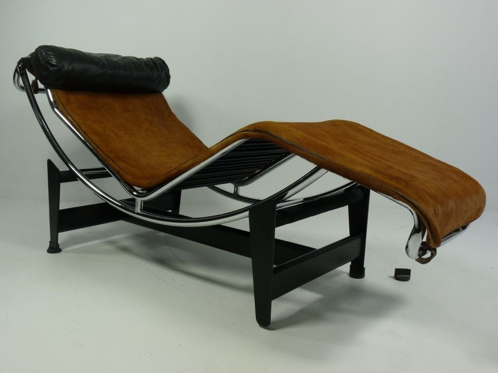 Lc4 chaise longue by le corbusier mfg by cassina at 1stdibs for Chaise corbusier