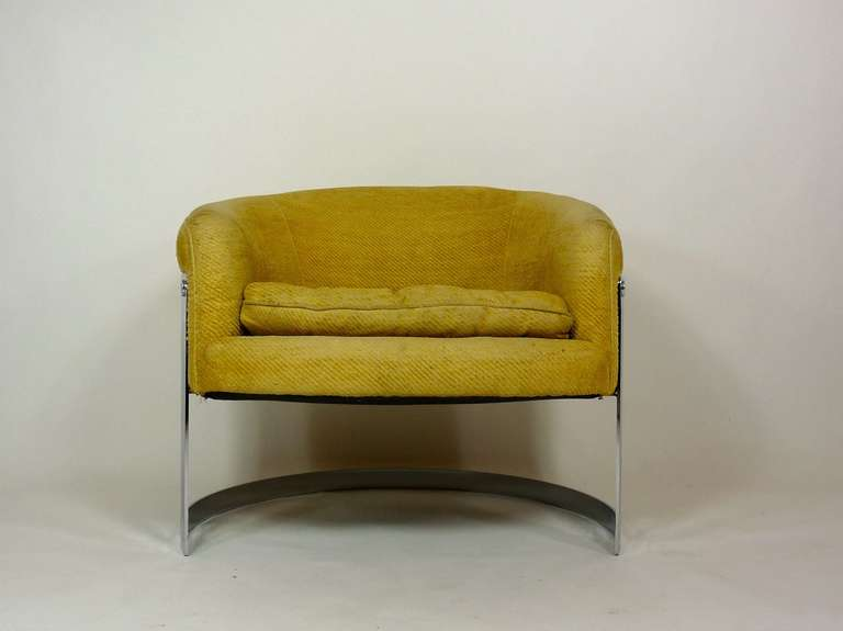 Milo Baughman Curved Lounge Chairs at 1stdibs