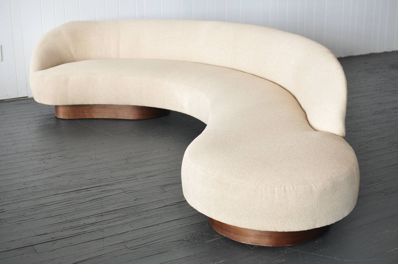 Large Serpentine Sofa by Vladimir Kagan for Directional 2