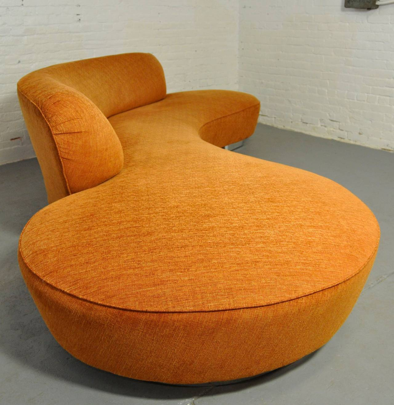 American Vladimir Kagan Serpentine Sofa For Sale