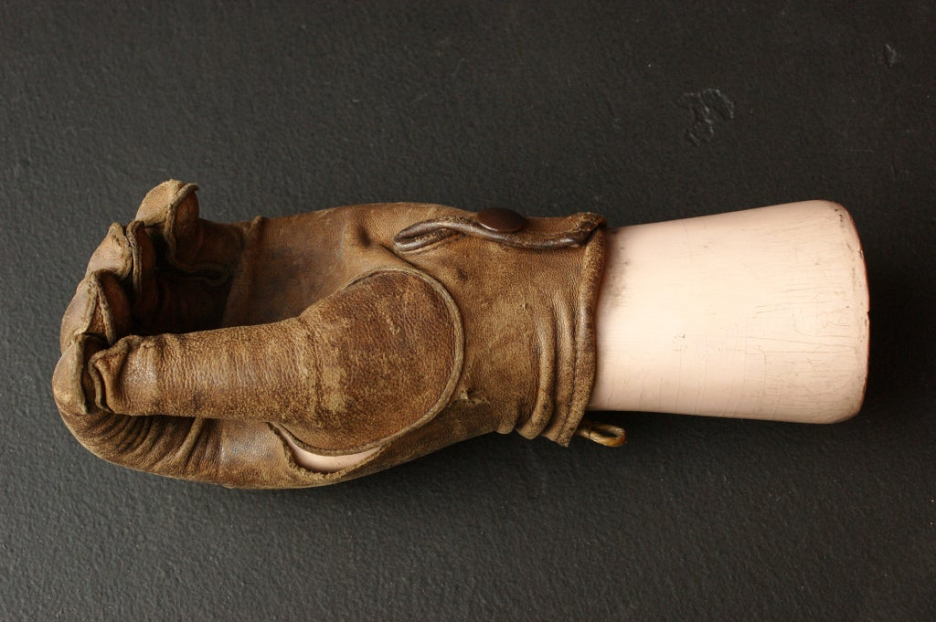 Late 19th Century Prosthetic Hand with Leather Glove For Sale 1