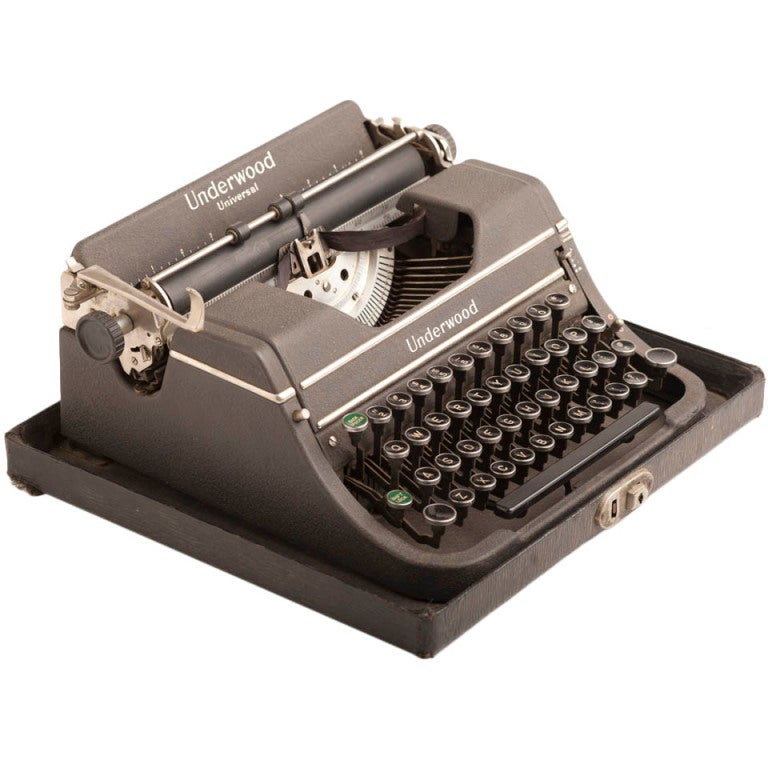 1939 Underwood Universal Vintage Typewriter at 1stdibs