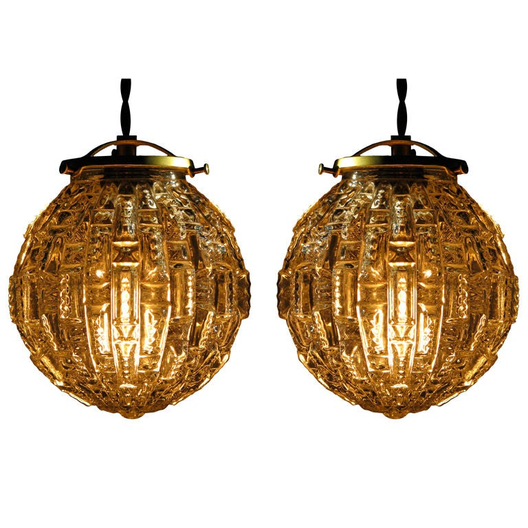 pair of faceted glass globe light fixtures at 1stdibs. Black Bedroom Furniture Sets. Home Design Ideas
