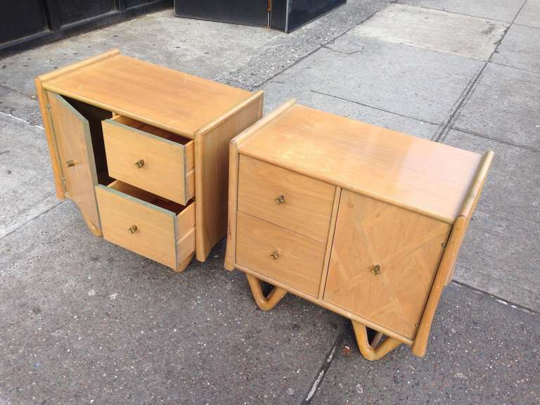 American Pair of Mid-Century Modern End Tables For Sale