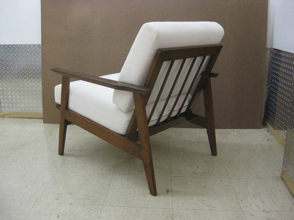 Pair of mid century modern danish lounge chairs at 1stdibs for Stylish lounge furniture